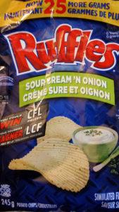 Croustilles (chips) Ruffles crème sûre et oignon