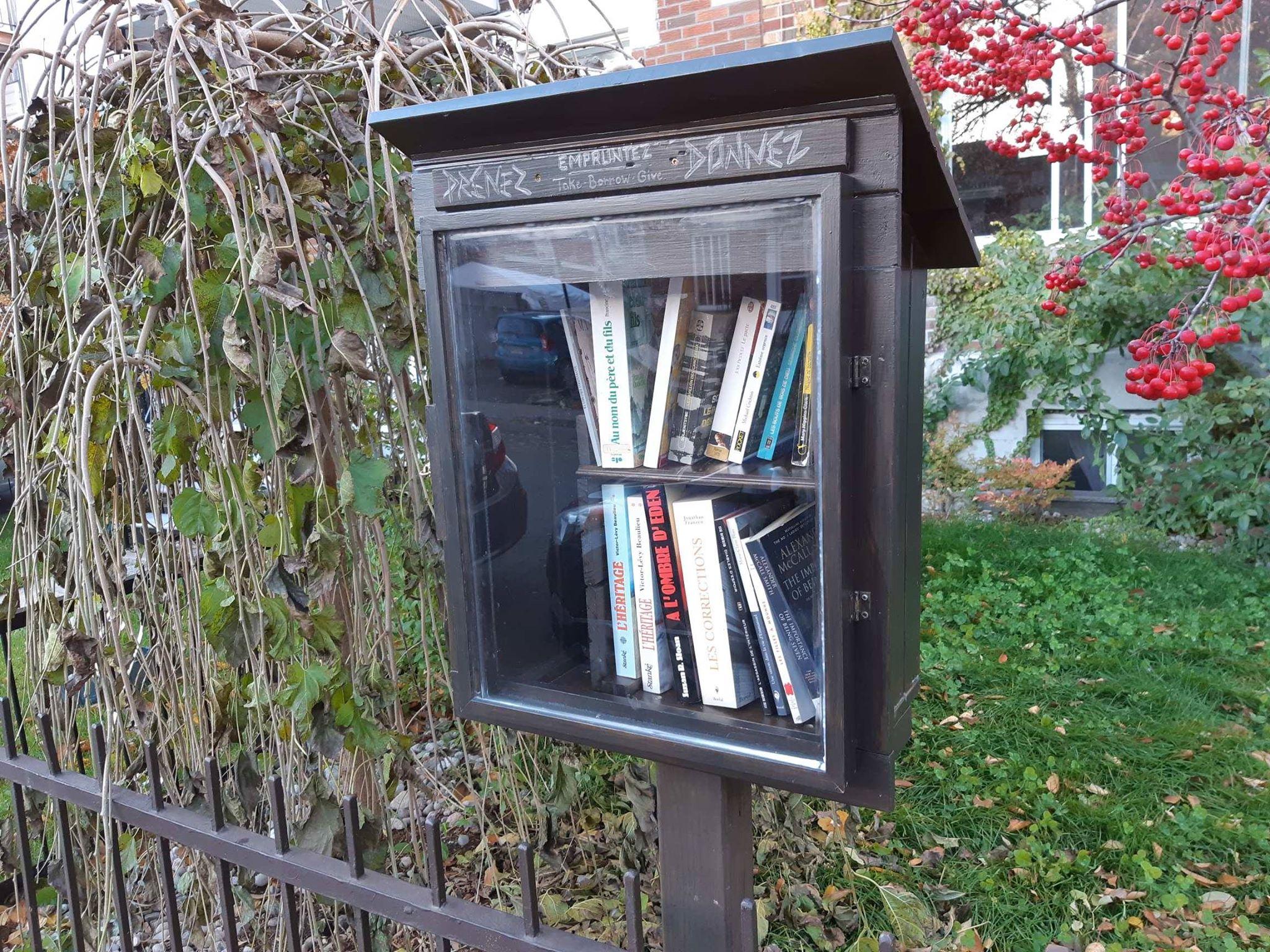 Une boîte à lire à Montréal. Un bon moyen d'échanger des livres entre citoyens