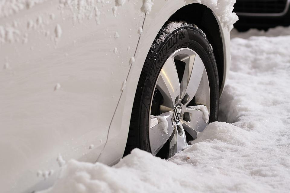 Changement de pneus au Québec, des dates non convenables selon votre région