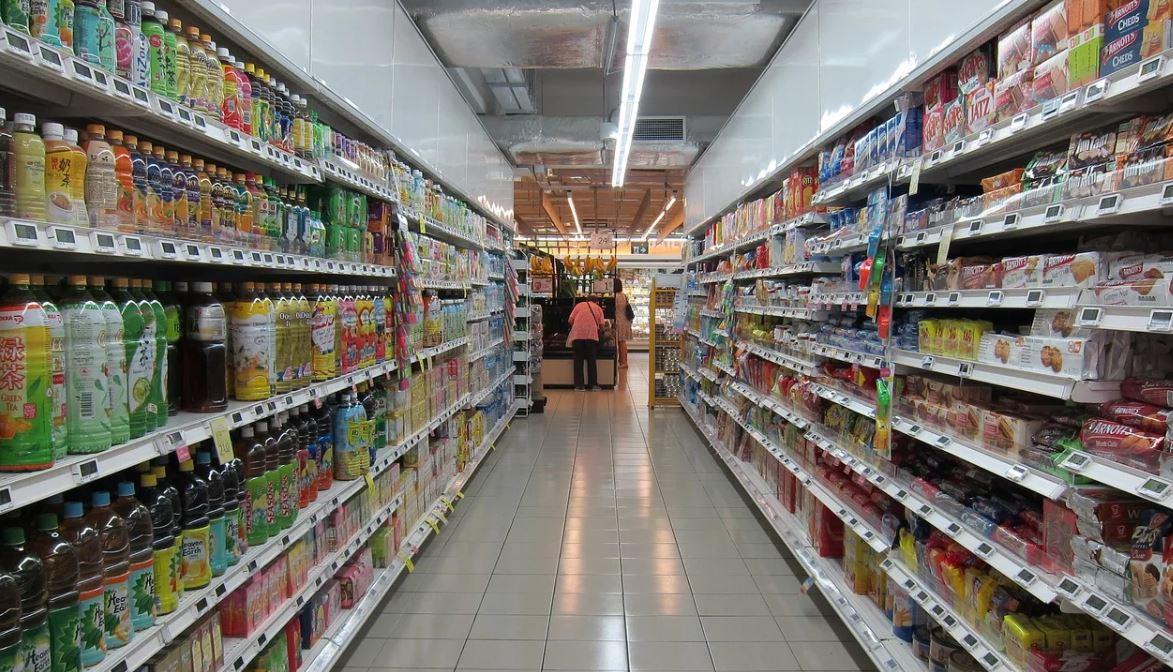 Supermarché en temps de pandémie. Des items hors de prix